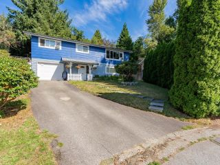 Photo 1: 8260 VIOLA Place in Mission: Mission BC House for sale : MLS®# R2615740