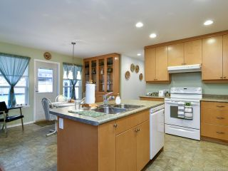 Photo 10: 2714 Eden St in CAMPBELL RIVER: CR Willow Point House for sale (Campbell River)  : MLS®# 831635