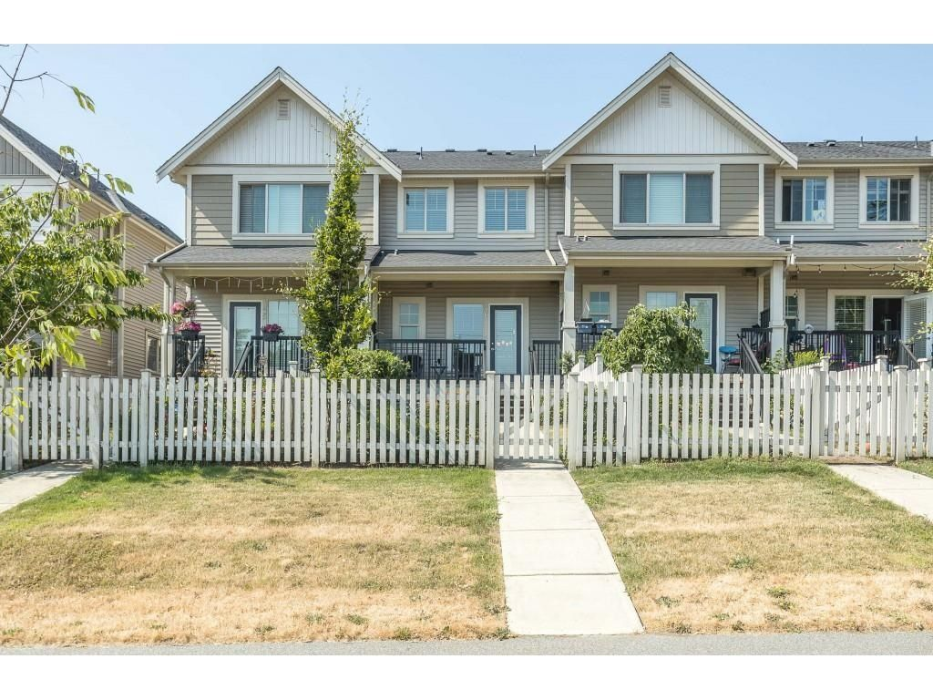 """Main Photo: 46 19097 64 Avenue in Surrey: Cloverdale BC Townhouse for sale in """"The Heights"""" (Cloverdale)  : MLS®# R2601092"""