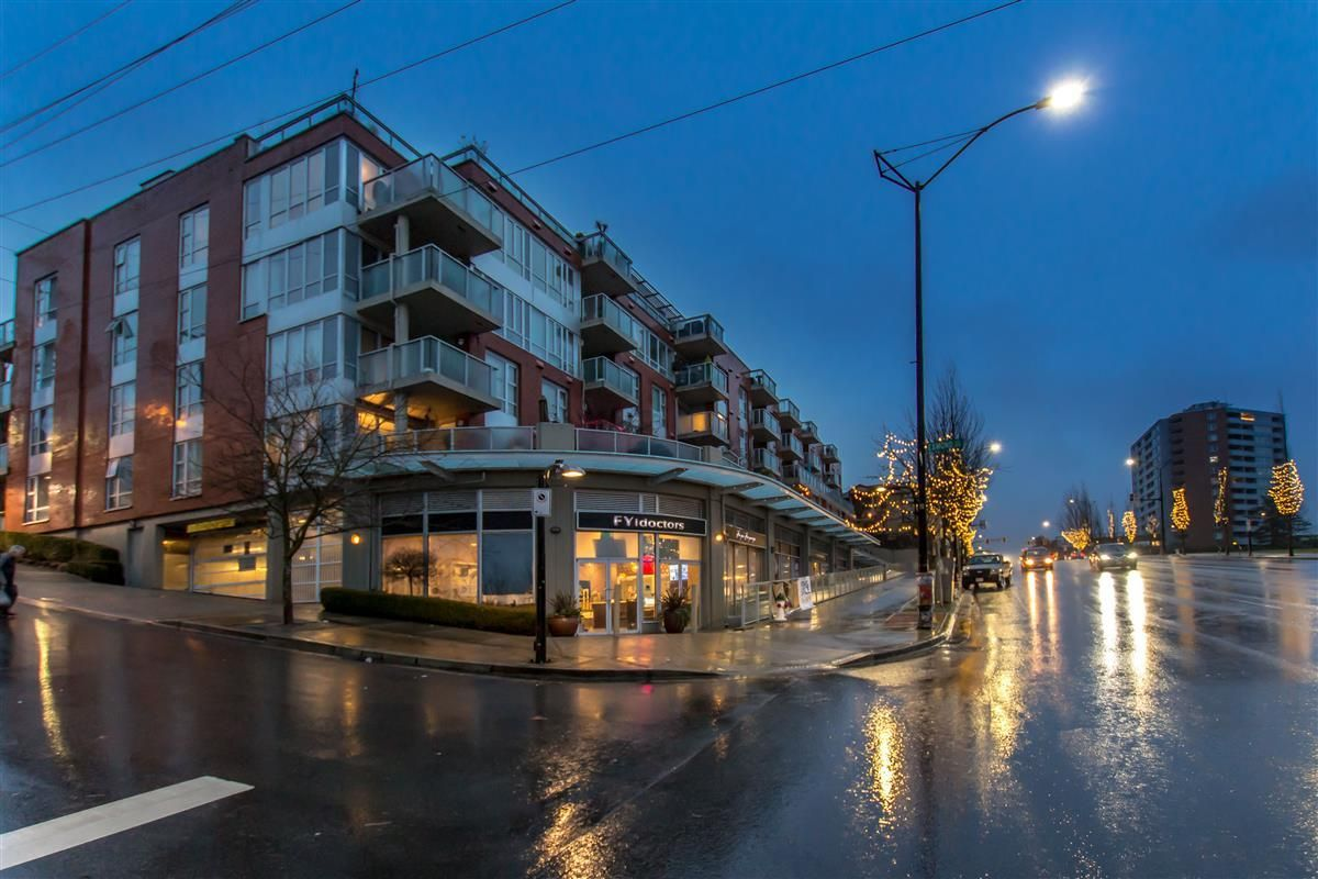 """Main Photo: 212 3811 HASTINGS Street in Burnaby: Vancouver Heights Condo for sale in """"MONDEO"""" (Burnaby North)  : MLS®# R2329152"""
