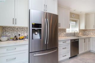 Photo 10: 4421 Bartholomew Pl in VICTORIA: SE Gordon Head House for sale (Saanich East)  : MLS®# 799913