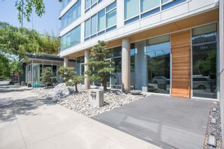Photo 2: 1005 1565 W 6TH AVENUE in Vancouver: False Creek Condo for sale (Vancouver West)  : MLS®# R2598385
