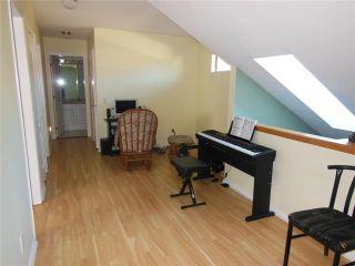 "Photo 11: 2 20841 DEWDNEY TRUNK Road in Maple Ridge: Northwest Maple Ridge Townhouse for sale in ""KITCHLER STATION"" : MLS®# V1060321"
