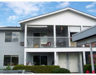 """Photo 1: 258 32691 GARIBALDI Drive in Abbotsford: Abbotsford West Townhouse for sale in """"Carriage Lane"""" : MLS®# F2822802"""