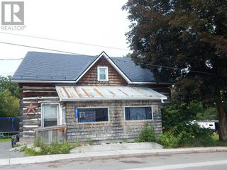 Photo 2: 18527 DUNDAS STREET in Martintown: House for sale : MLS®# 1252433