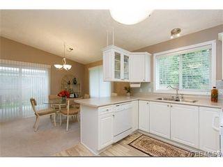 Photo 9: 97 7570 Tetayut Rd in SAANICHTON: CS Hawthorne Manufactured Home for sale (Central Saanich)  : MLS®# 636903