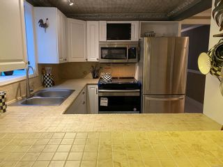 Photo 9: UNIT 12 - HIDDEN VALLEY MANUFACTURED HOME FOR SALE