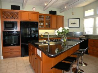 Photo 4: POINT LOMA House for sale : 3 bedrooms : 1560 Plum St in San Diego