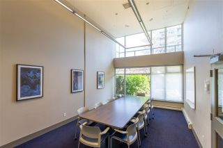 """Photo 24: 1008 1708 COLUMBIA Street in Vancouver: False Creek Condo for sale in """"Wall Centre- False Creek"""" (Vancouver West)  : MLS®# R2560917"""