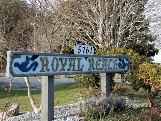 Photo 16: 19 5761 WHARF Avenue in Sechelt: Sechelt District Townhouse for sale (Sunshine Coast)  : MLS®# R2428590