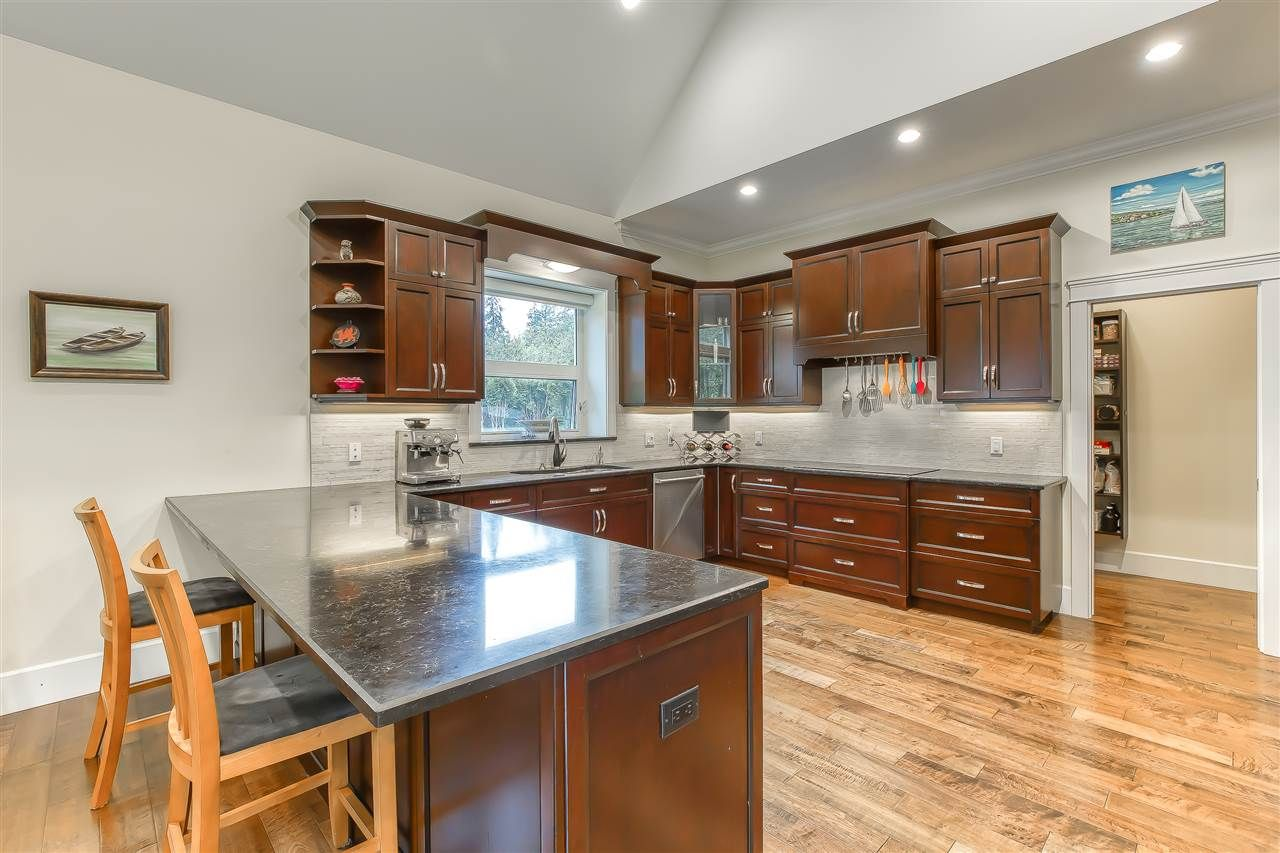 """Photo 16: Photos: 2732 NORTHCREST Drive in Surrey: Sunnyside Park Surrey House for sale in """"Woodshire Park"""" (South Surrey White Rock)  : MLS®# R2543125"""