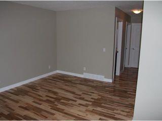 Photo 9: 3 2232 33 Avenue SW in CALGARY: Richmond Park Knobhl Townhouse for sale (Calgary)  : MLS®# C3499475