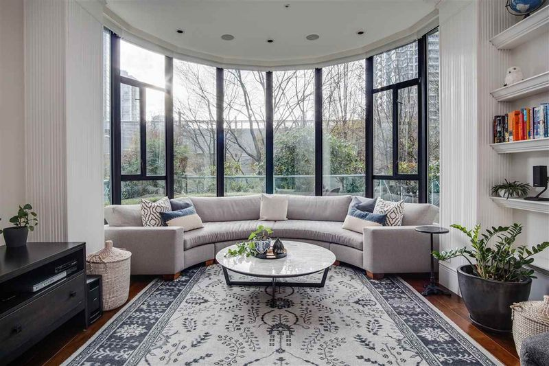 FEATURED LISTING: 281 SMITHE Street Vancouver