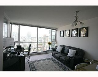Photo 3: 1906 1188 RICHARDS Street in Vancouver West: Home for sale : MLS®# V656674