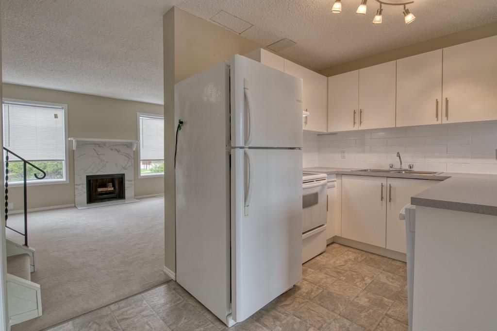 Main Photo: 602 Westchester Road: Strathmore Row/Townhouse for sale : MLS®# A1117957