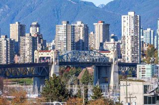 "Photo 17: 409 1628 W 4TH Avenue in Vancouver: False Creek Condo for sale in ""RADIUS"" (Vancouver West)  : MLS®# R2006008"