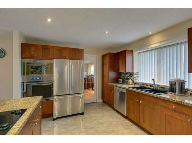 """Photo 9: Photos: 12403 188TH Street in Pitt Meadows: West Meadows House for sale in """"Highland Park Area"""" : MLS®# V1090347"""