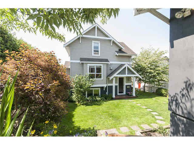 Main Photo: A 403 ALDER STREET in : Lower Lonsdale 1/2 Duplex for sale : MLS®# V1126419