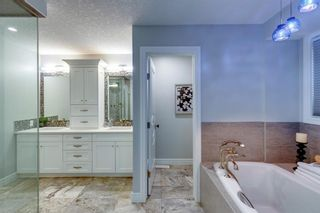 Photo 17: 32 Bow Village Crescent NW in Calgary: Bowness Detached for sale : MLS®# A1138137