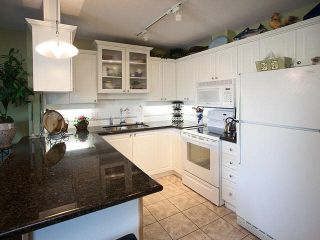 """Photo 5: 327 19750 64 Avenue in Langley: Willoughby Heights Condo for sale in """"The Davenport"""" : MLS®# F1418142"""