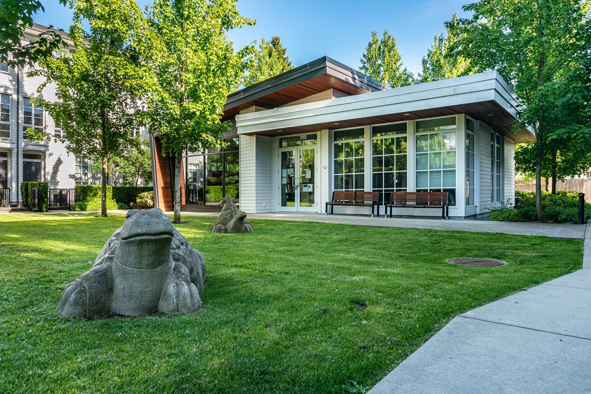 """Photo 44: Photos: 154 548 FOSTER Avenue in Coquitlam: Coquitlam West Townhouse for sale in """"BLACK + WHITE"""" : MLS®# R2587208"""