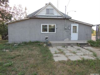 Photo 2: 214 Railway Avenue in Lampman: Residential for sale : MLS®# SK866334