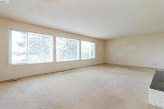Photo 5: 8591 Lochside Dr in NORTH SAANICH: NS Bazan Bay House for sale (North Saanich)  : MLS®# 790088