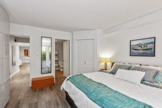 """Photo 11: 15 1550 LARKHALL Crescent in North Vancouver: Northlands Townhouse for sale in """"NAHANEE WOODS"""" : MLS®# R2594601"""
