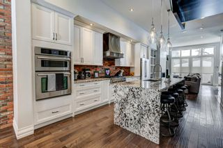 Photo 3: 917 22 Avenue NW in Calgary: Mount Pleasant Detached for sale : MLS®# A1069465