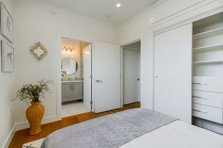 """Photo 13: 1013 - 1015 LAKEWOOD Drive in Vancouver: Grandview Woodland 1/2 Duplex for sale in """"""""THE DRIVE"""""""" (Vancouver East)  : MLS®# R2472521"""