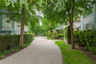 "Photo 12: 40 65 FOXWOOD Drive in Port Moody: Heritage Mountain Townhouse for sale in ""Forest Hill"" : MLS®# R2390192"