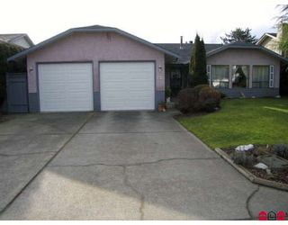 Photo 1: 32774 OKANAGAN Drive in Abbotsford: Abbotsford West House for sale : MLS®# F2801653