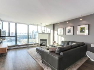 Photo 4: 1506 1088 QUEBEC Street in Vancouver: Mount Pleasant VE Condo for sale (Vancouver East)  : MLS®# R2231887