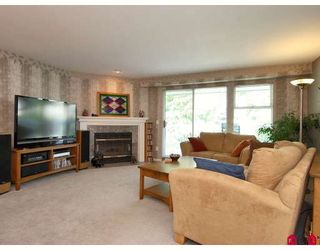 "Photo 4: 2 13964 72ND Avenue in Surrey: East Newton Townhouse for sale in ""Upton North"" : MLS®# F2820412"