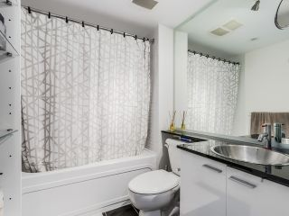 "Photo 10: 2306 131 REGIMENT Square in Vancouver: Downtown VW Condo for sale in ""SPECTRUM 3"" (Vancouver West)  : MLS®# R2019933"