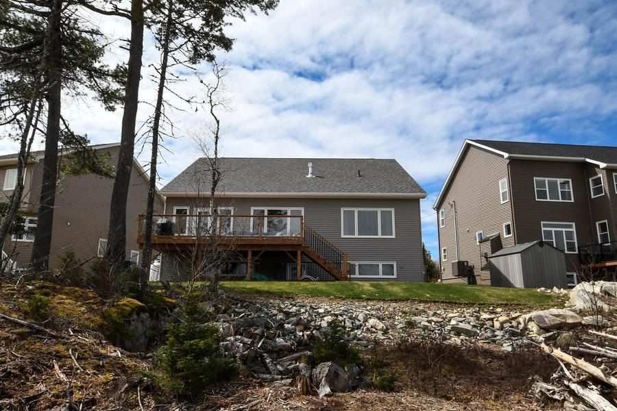 Photo 31: Photos: 116 Lakeridge Drive in Dartmouth: 16-Colby Area Residential for sale (Halifax-Dartmouth)  : MLS®# 202109263