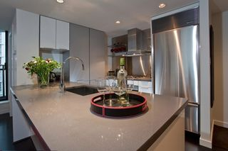"""Photo 7: 1007 788 RICHARDS Street in Vancouver: Downtown VW Condo for sale in """"L'HERMITAGE"""" (Vancouver West)  : MLS®# V815597"""