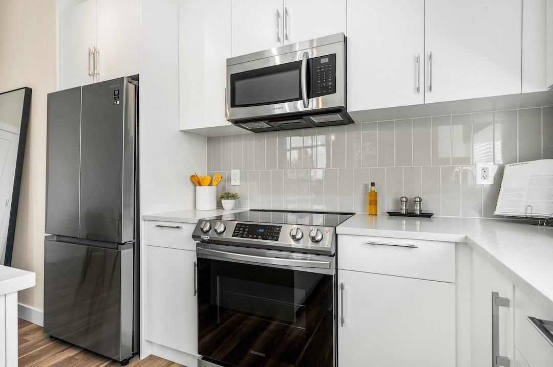"""Photo 6: Photos: 107 20356 72B Avenue in Langley: Langley City Condo for sale in """"Gala"""" : MLS®# R2592322"""