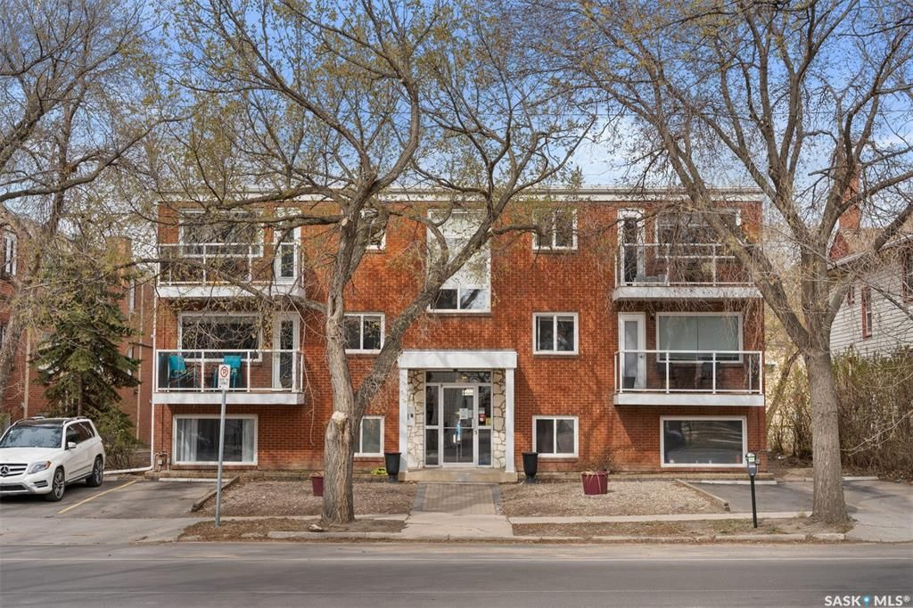 Main Photo: 2 2060 Lorne Street in Regina: Downtown District Residential for sale : MLS®# SK854644