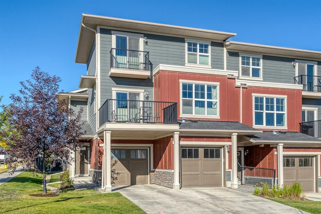 Main Photo: 1106 428 Nolan Hill Drive NW in Calgary: Nolan Hill Row/Townhouse for sale : MLS®# A1053774