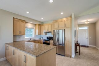 Photo 9: 1 Ravine Drive: Heritage Pointe Semi Detached for sale : MLS®# A1114746