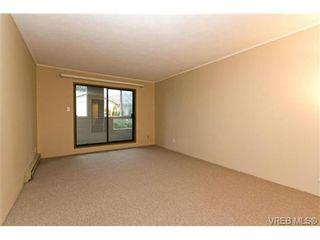 Photo 8: 205 949 Cloverdale Ave in VICTORIA: SE Quadra Condo for sale (Saanich East)  : MLS®# 658759