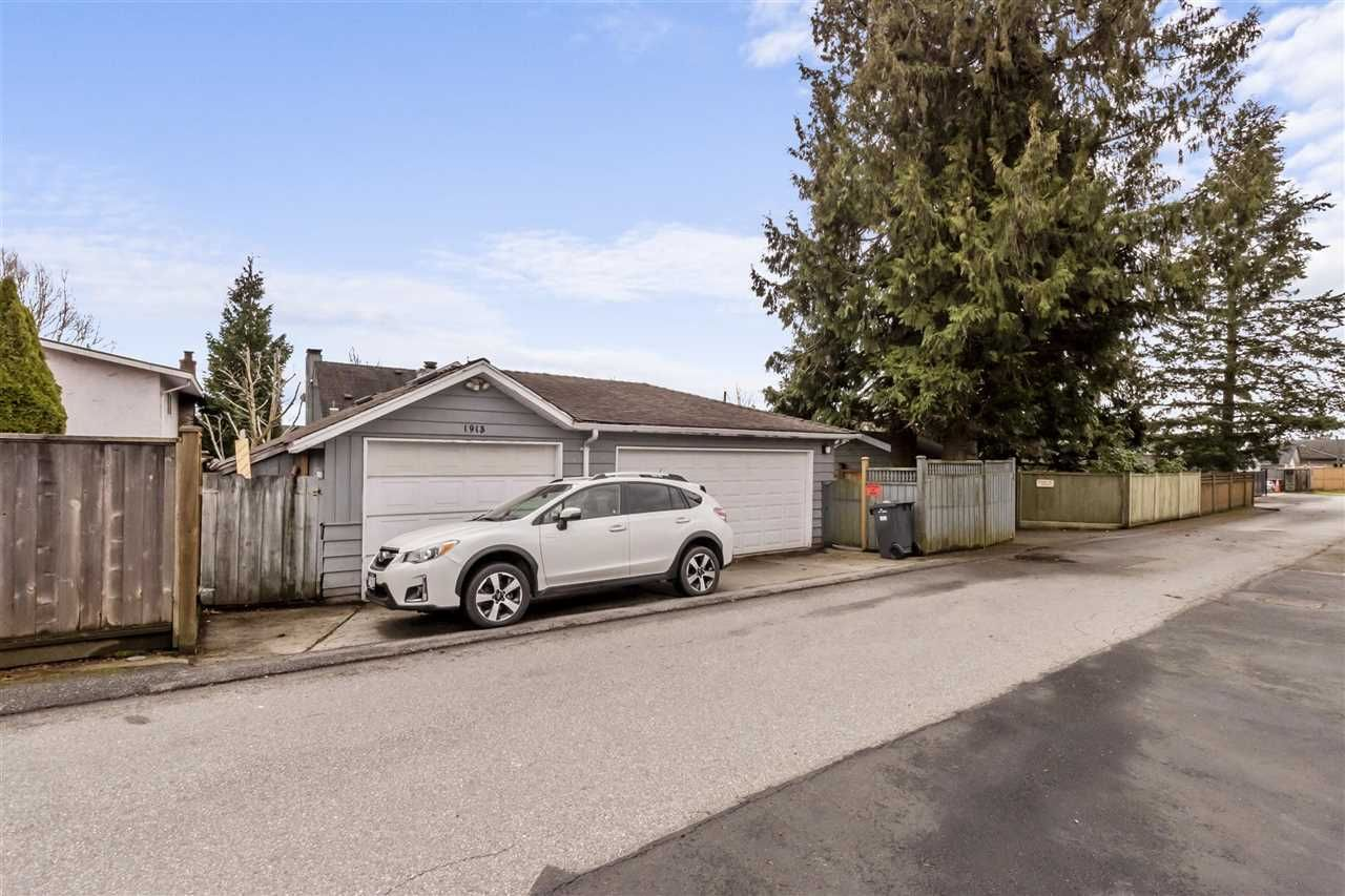 Photo 20: Photos: 1913 EDINBURGH Street in New Westminster: West End NW House for sale : MLS®# R2547519