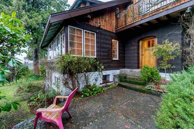 Main Photo: 2633 Lawson Ave in : Dundarave House for sale (West Vancouver)  : MLS®# R2433502
