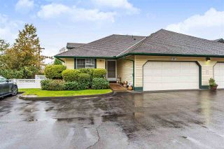 """Photo 1: 8 22538 116 Avenue in Maple Ridge: East Central Townhouse for sale in """"POOLSIDE VILLAS"""" : MLS®# R2413715"""
