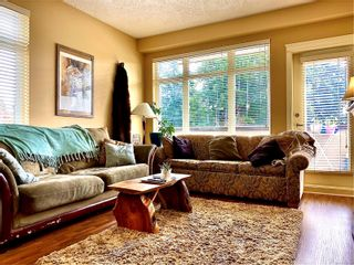 Photo 2: 201 2220 Sooke Rd in : Co Hatley Park Condo for sale (Colwood)  : MLS®# 851143