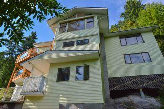 Photo 2: 5704 CARMEL Place in Sechelt: Sechelt District House for sale (Sunshine Coast)  : MLS®# R2122869