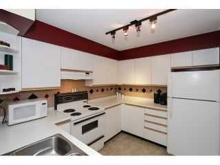 """Photo 7: 303 3505 W BROADWAY in Vancouver: Kitsilano Condo for sale in """"COLLINGWOOD PLACE"""" (Vancouver West)  : MLS®# R2086967"""