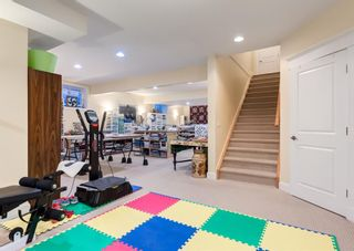 Photo 10: 1214 20 Street NW in Calgary: Hounsfield Heights/Briar Hill Detached for sale : MLS®# A1090403