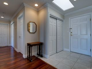 Photo 8: 402 2550 Bevan Ave in : Si Sidney South-East Condo for sale (Sidney)  : MLS®# 860006